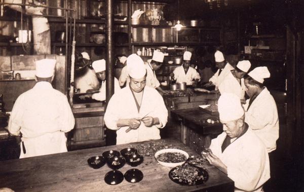 昭和初期の厨房